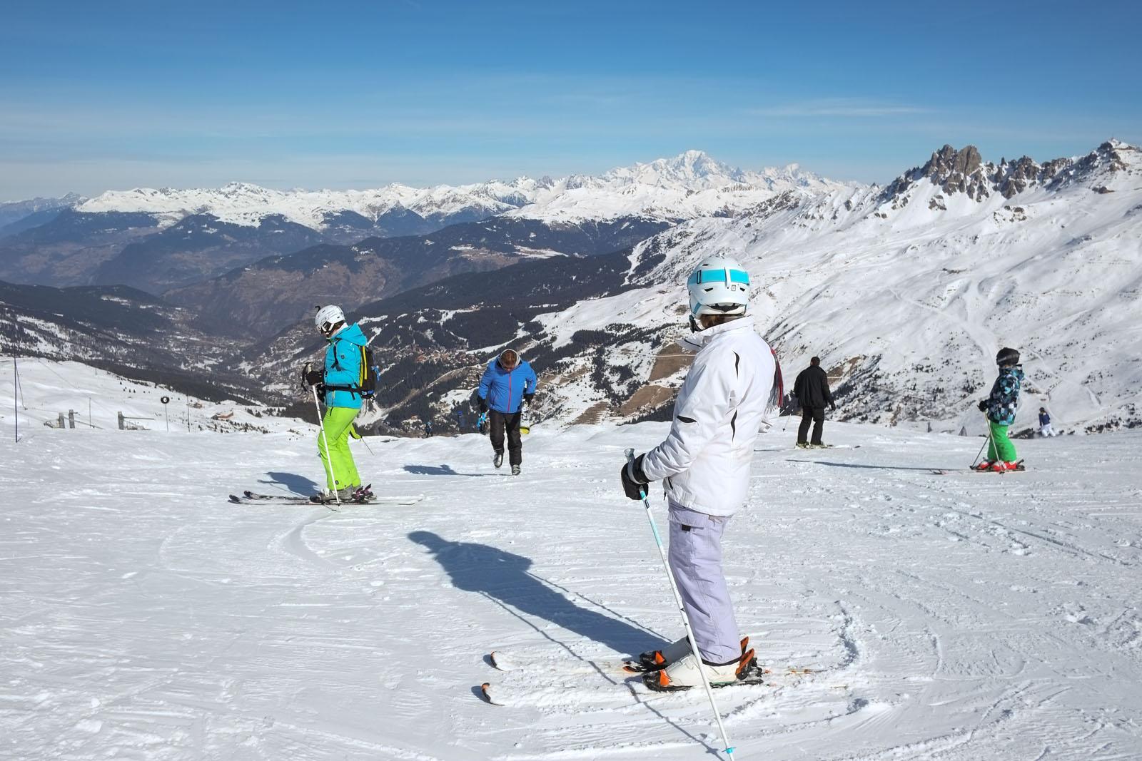 Pour vos vacances aux sports d'hiver en Savoie, un hébergement vous attend dans les Alpes à Saint-Jean-de-la-Porte