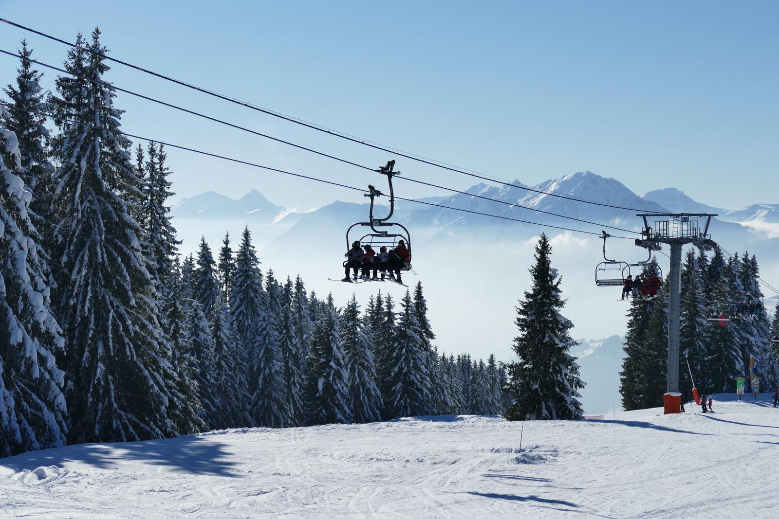 Pour votre location de vacances d'hiver en Savoie, notre hébergement vous attend à Saint-Jean-de-la-Porte