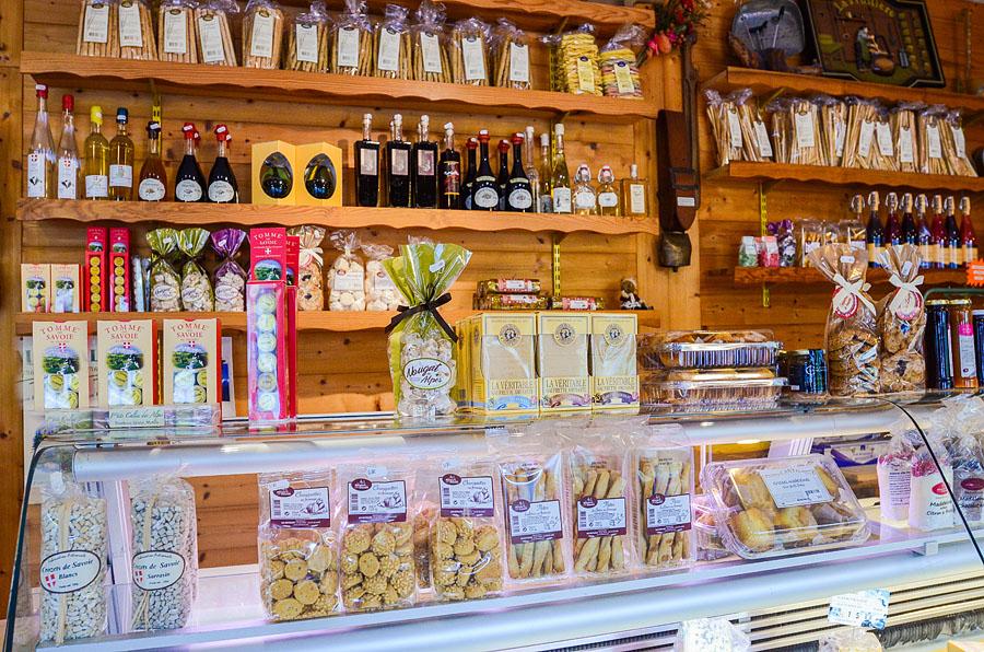 Les producteurs et boutiques des Alpes vous attendent près du Gîte du Porche, en Savoie
