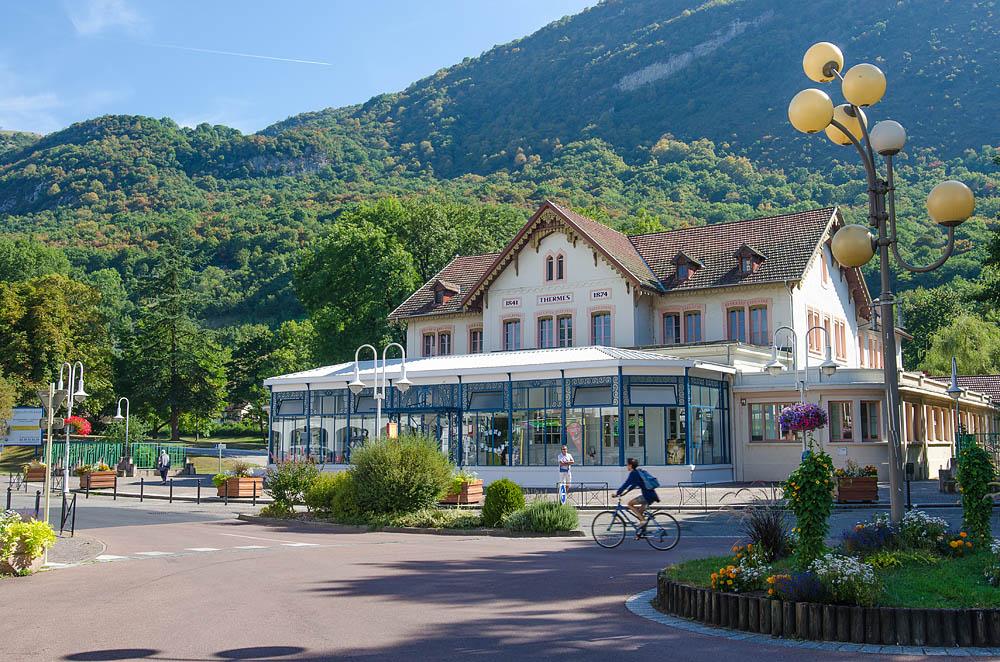 Si vous cherchez un hébergement pour votre cure thermale à Challes-les-Eaux, le gîte du Porche est l'endroit idéal